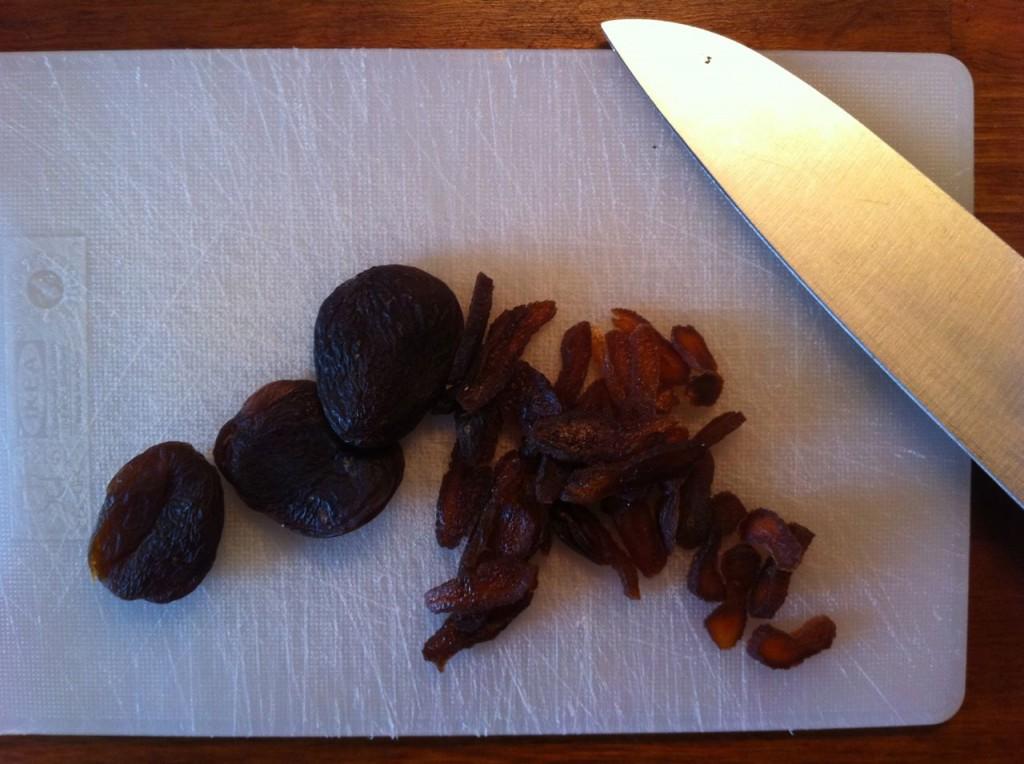 Lynstegt spidskål med abrikoser